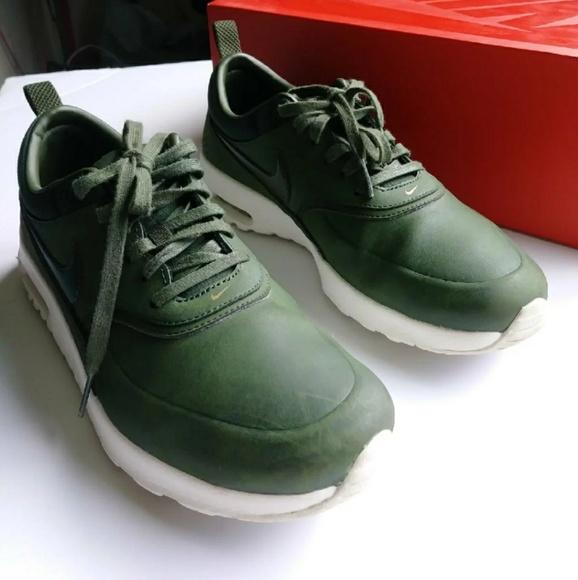 8131d76b9665 ... Leather Nike Thea Green. M 5b1304f09539f7b6920cf6de